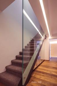 schody, szklana poręcz