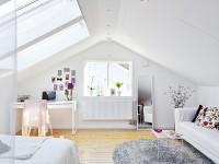 jasny pokój pod skosami