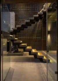 podświetlane schody bez poręczy