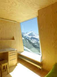 okno z siedziskiem