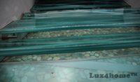 Mozaika z zielonych otoczaków – kamienie otoczaki na siatce