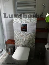 Otoczaki w łazience – łazienka z otoczaków na ścianie