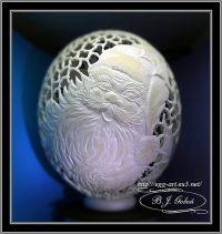 Mikołaj rzeźbiony na jaju