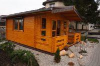 Drewniany domek dla gości