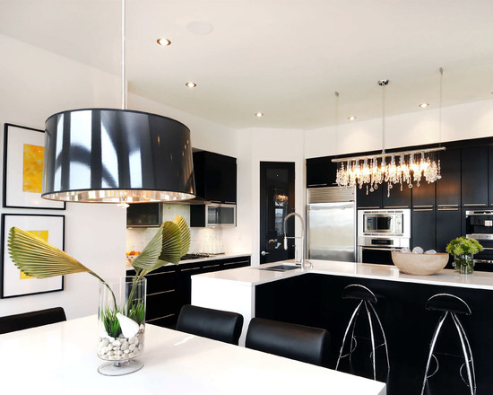 Czarna kuchnia  Wnętrza inspiracje # Kuchnia Bialo Czarno Drewniana