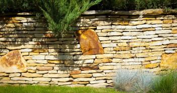 Klasa w ogrodzie, czyli o zastosowaniu kamienia dekoracyjnego