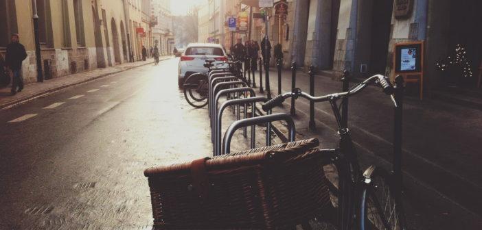 Na jakie stojaki na rower warto postawić?